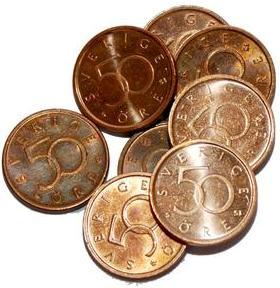 50-öringen ska tas ur bruk och upphöra som betalningsmedel. Röda Korset står redo att samla in 50-öringarna åt riksbanken. Det är cirka 342 miljoner mynt som ska samlas in vilket motsvarar 1 265 ton koppar.